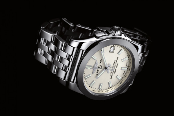Couple Hardness With Softness – Two UK Replica Breitling Watches With Steel Bracelet