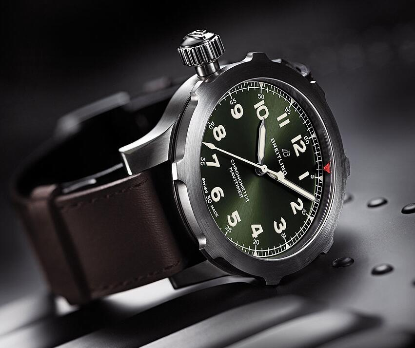 Clear reading of the copy Breitling Navitimer watchesis indicated by the white Arabic numerals.