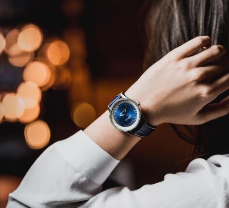Elegant Replica Breitling UK Watches Satisfy Couples