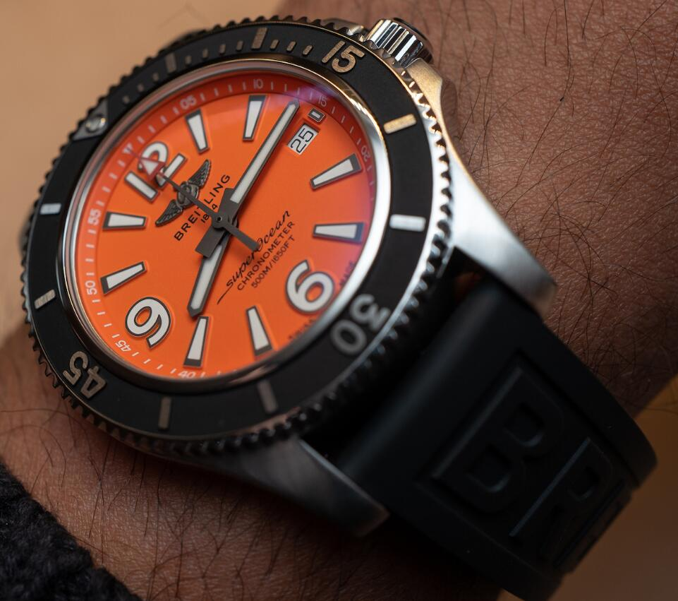 Swiss-made replication watches leave deep impression.