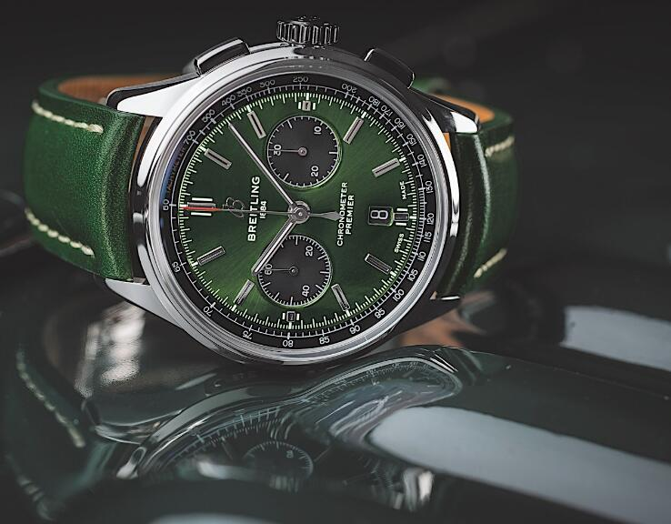 Swiss-made reproduction watches are fashionable in green.