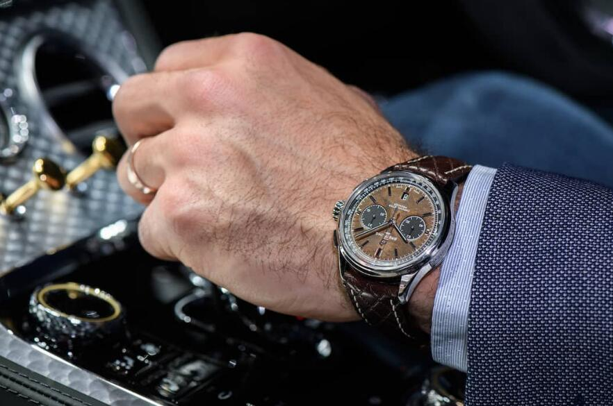 Hot duplication watches sales adopt elm dials.