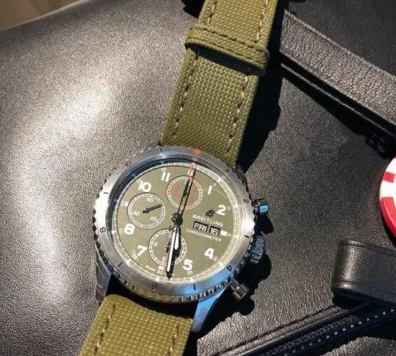 Splendid Breitling Navitimer 8 Chronograph 43 Fake Watches Reveal Military Enthusiasm