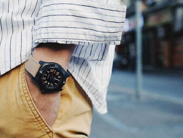 Swiss imitation watches forever are cool in black.